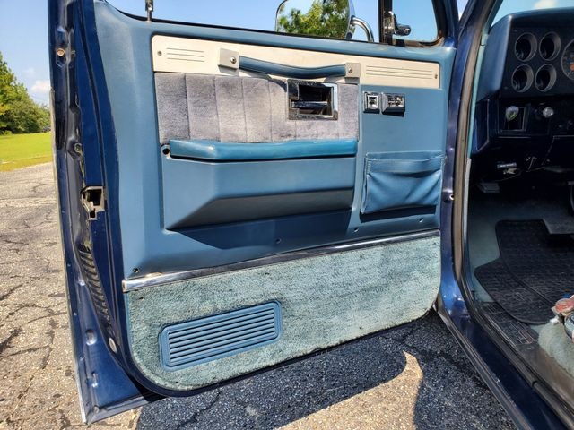 1987 Chevrolet C10 454 in Hope Mills, NC 28348