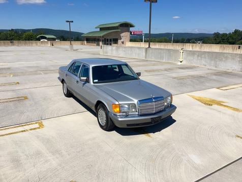 1987 Mercedes-Benz 560 Series 560SEL in Bethel, Pennsylvania