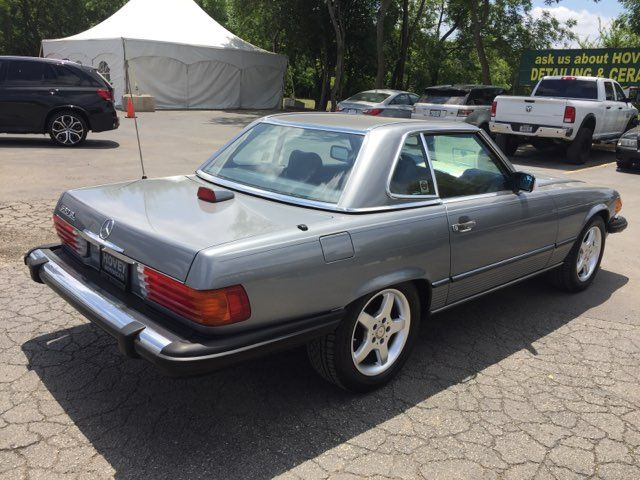 1987 Mercedes-Benz 560SL Series 560SL in Boerne, Texas 78006