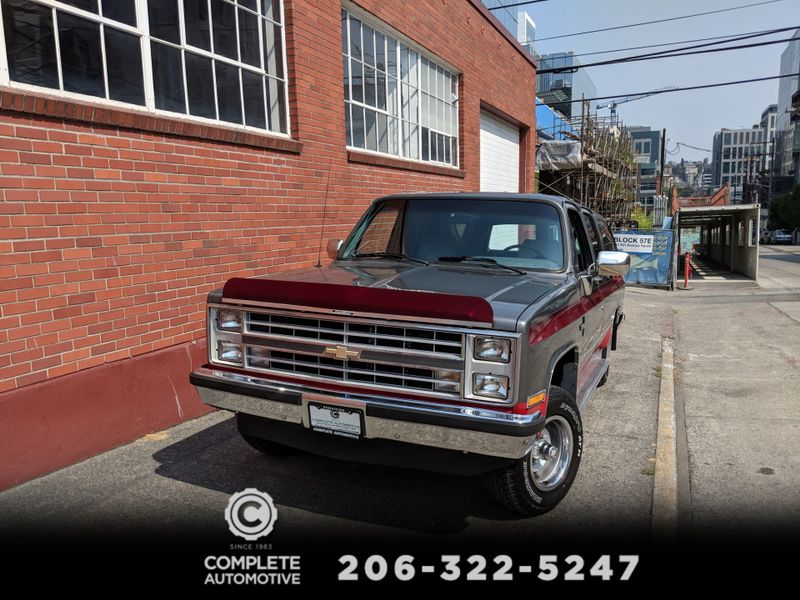 1988 Chevrolet Suburban 1500 4x4  Silverado 8 Passenger 105000 Original Miles NICE  city Washington  Complete Automotive  in Seattle, Washington