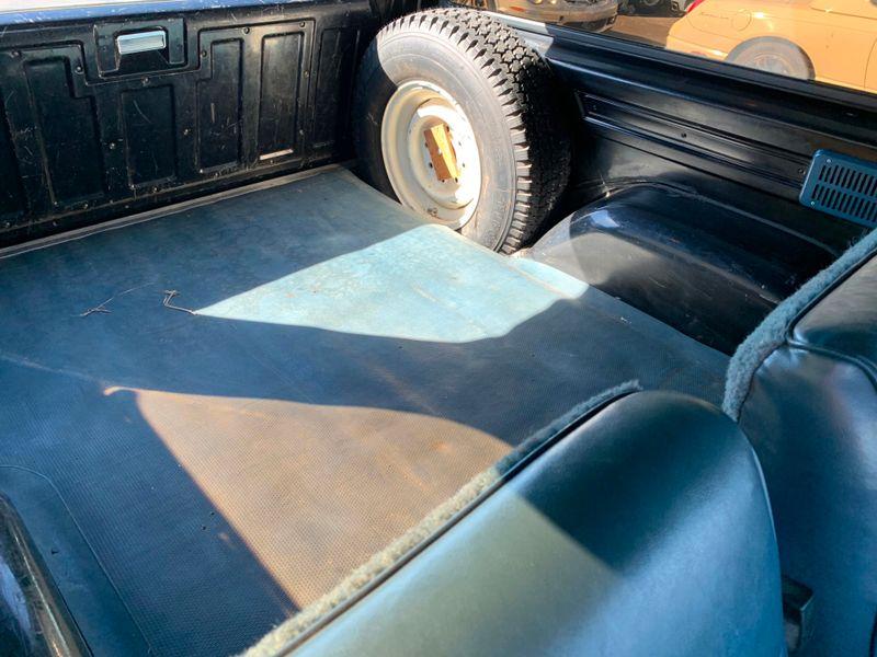 1988 Chevrolet Suburban 34 Ton  St Charles Missouri  Schroeder Motors  in St. Charles, Missouri