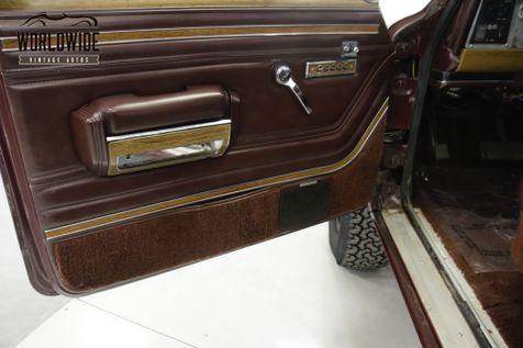 1988 Jeep GRAND WAGONEER CUSTOM 4x4 V8  | Denver, CO | Worldwide Vintage Autos in Denver, CO