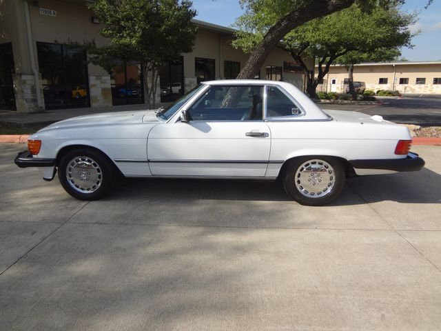 1988 Mercedes-Benz 560 Series 560SL Austin , Texas 3