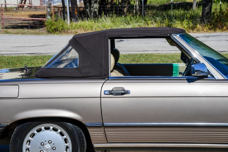 1988 Mercedes-Benz 560SL  Roadster  city TX  Dallas Motorsports  in Wylie, TX