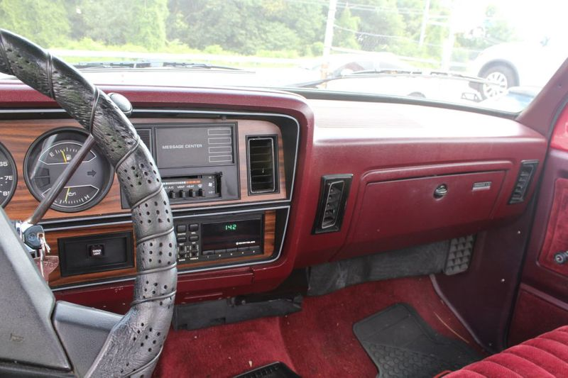 1989 Dodge 12 Ton Trucks D150  city MD  South County Public Auto Auction  in Harwood, MD