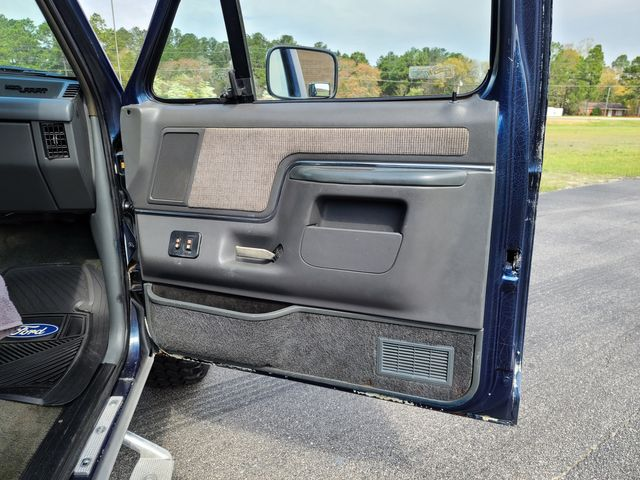 1989 Ford F-150 XLT Lariat in Hope Mills, NC 28348
