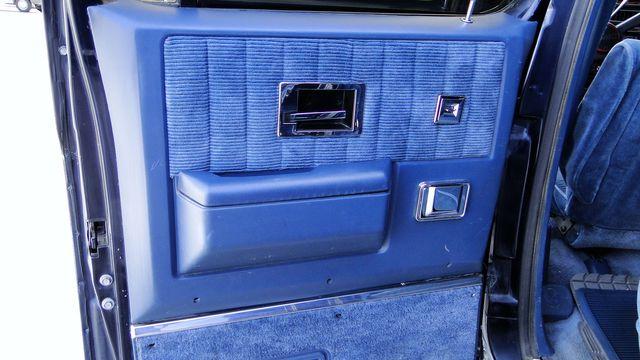 1989 Gmc 5.7 Liter Suburban LOADED BARN REAR DOOR SUBURBAN in Phoenix, Arizona 85027