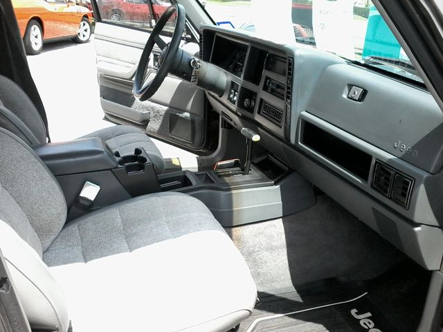 1989 Jeep Cherokee Laredo San Antonio, Texas 12