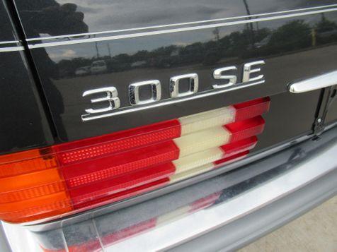 1989 Mercedes-Benz 300 Series 300SE | Houston, TX | American Auto Centers in Houston, TX