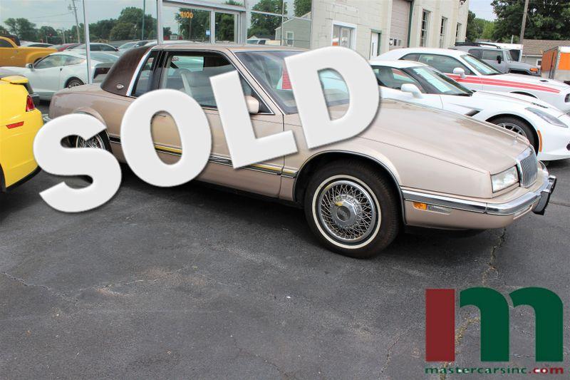 1990 Buick Riviera    Granite City, Illinois   MasterCars Company Inc. in Granite City Illinois