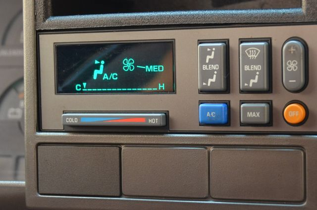 1990 Chevrolet 3500 Pickups K3500 in Reseda, CA, CA 91335