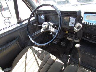 1990 Ford F700   Glendive MT  Glendive Sales Corp  in Glendive, MT