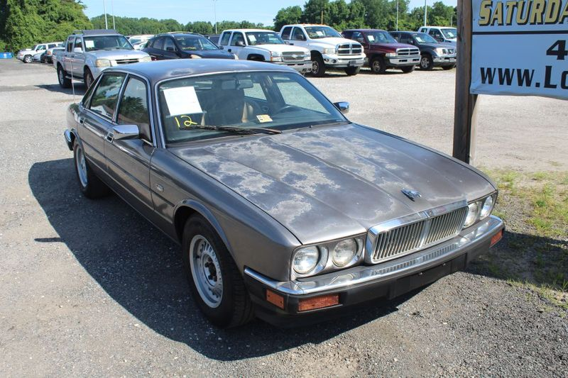 1990 Jaguar XJ BASELINE  city MD  South County Public Auto Auction  in Harwood, MD