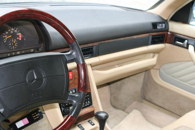1990 Mercedes-Benz 560 Series 560SEC Houston, Texas 10
