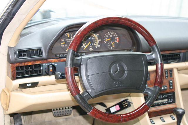 1990 Mercedes-Benz 560 Series 560SEC Houston, Texas 9