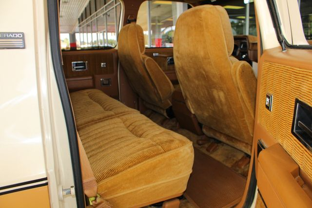 1991 Chevrolet Suburban 2500 RWD Silverado - ONLY 80K MILES! Mooresville , NC 43