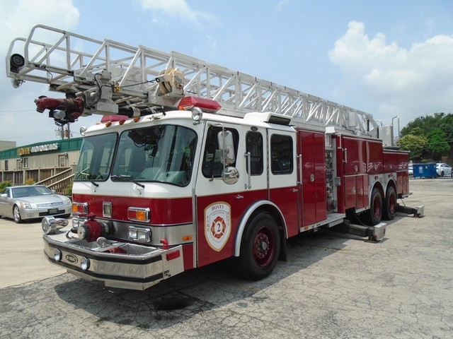1992 E-One /Hush Qunit 110FT LADDER /PUMPER 4DR HURRICANE