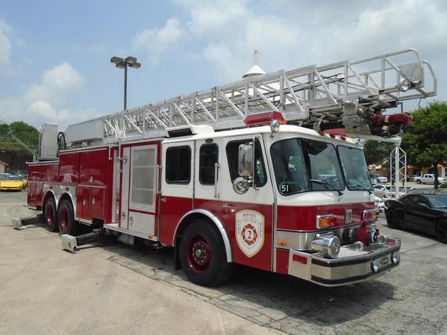 1992 E-One /Hush Qunit 110FT LADDER /PUMPER 4DR HURRICANE Boerne, Texas 2
