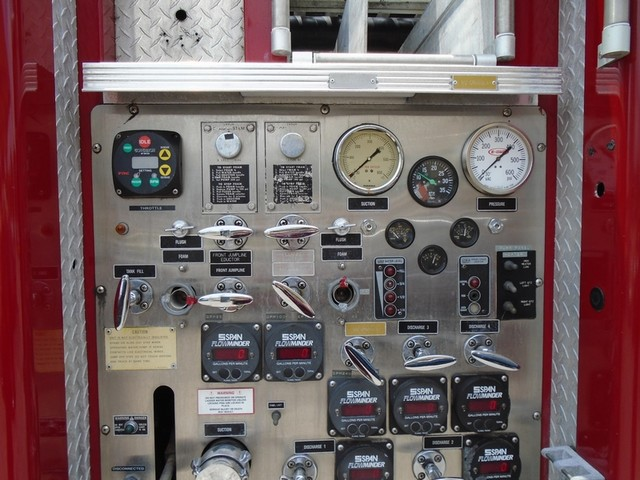 1992 E-One /Hush Qunit 110FT LADDER /PUMPER 4DR HURRICANE Boerne, Texas 32