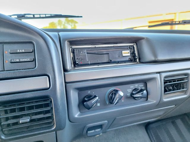 1992 Ford Bronco XLT in Hope Mills, NC 28348