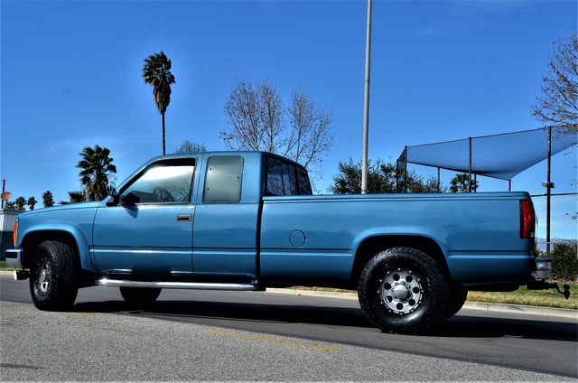 1992 GMC Sierra 2500 in Reseda, CA, CA 91335