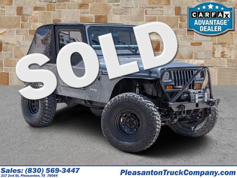 1992 Jeep Wrangler Base | Pleasanton, TX | Pleasanton Truck Company in Pleasanton TX