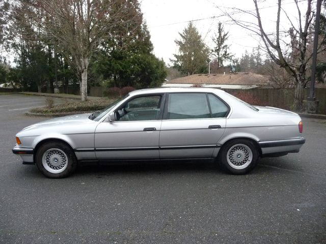 1993 BMW 7 Series 740iL