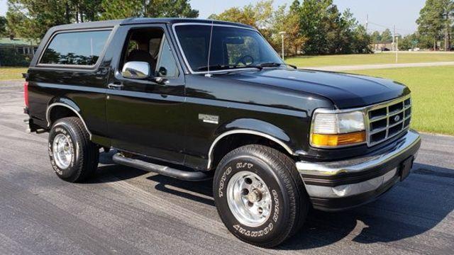 1993 Ford Bronco Eddie Bauer 4x4 V8 in Hope Mills, NC 28348