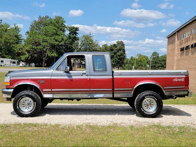 1993 Ford F-150 XLT in Hope Mills, NC 28348