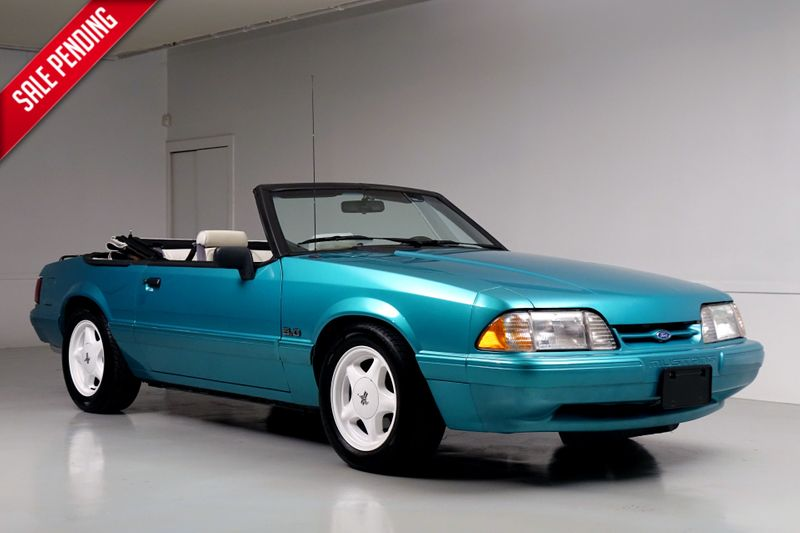 1993 Ford Mustang LX 5.0*Manual*only 17k Mi* Auto * Super Rare Car**   Plano, TX   Carrick's Autos in Plano TX