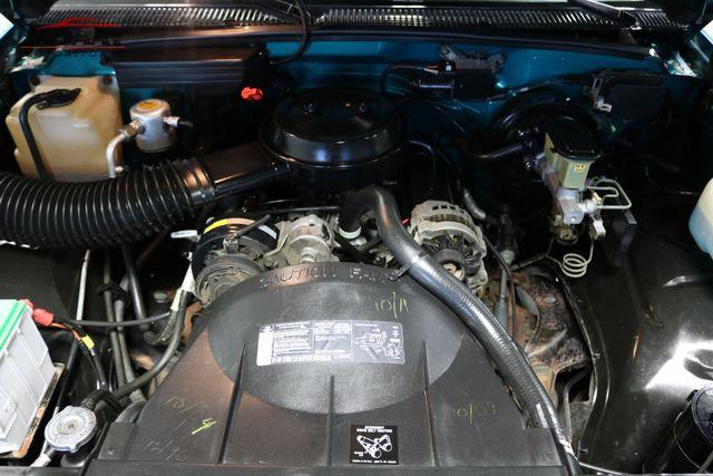 1993 GMC Sierra 1500 SLE Merrillville, Indiana 8