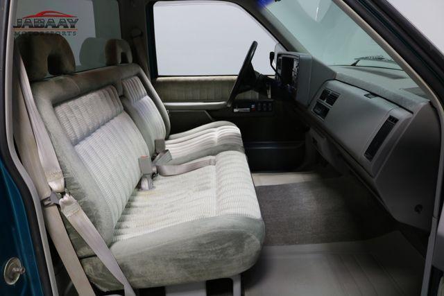 1993 GMC Sierra 1500 SLE Merrillville, Indiana 13