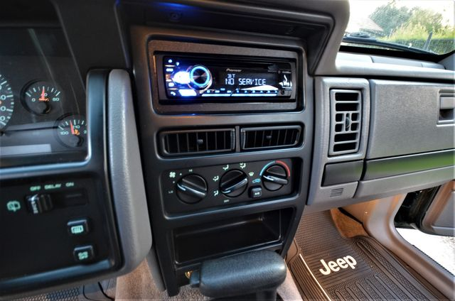 1993 Jeep Grand Cherokee Laredo in Reseda, CA, CA 91335