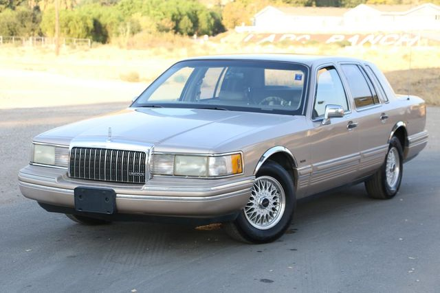 1993 Lincoln Town Car Executive Santa Clarita, CA 4