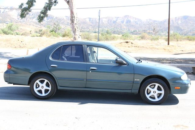 1993 Nissan Altima GXE Santa Clarita, CA 12