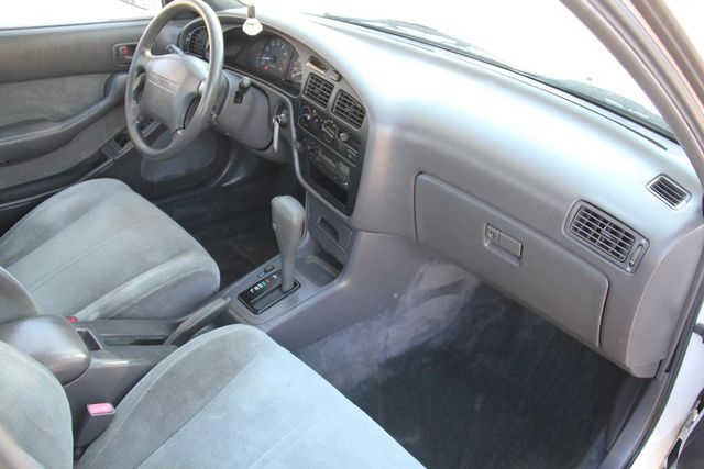 1993 Toyota Camry LE Santa Clarita, CA 9