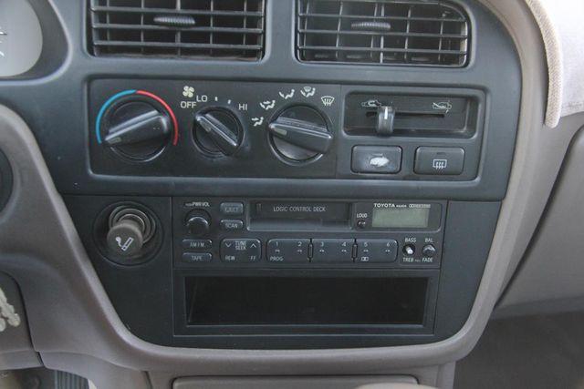 1993 Toyota Camry LE Santa Clarita, CA 19