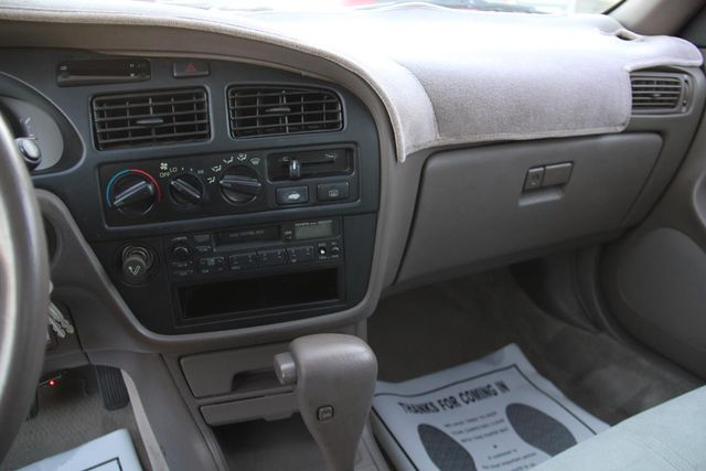 1993 Toyota Camry LE Santa Clarita, CA 18