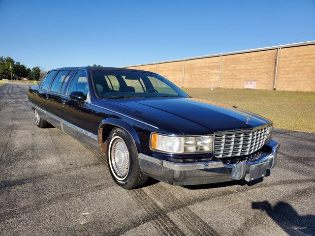 1994 Cadillac Fleetwood LIMOUSINE in Hope Mills, NC 28348