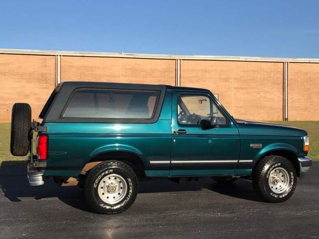 1994 Ford Bronco XLT Luxury 5.8L in Hope Mills, NC 28348