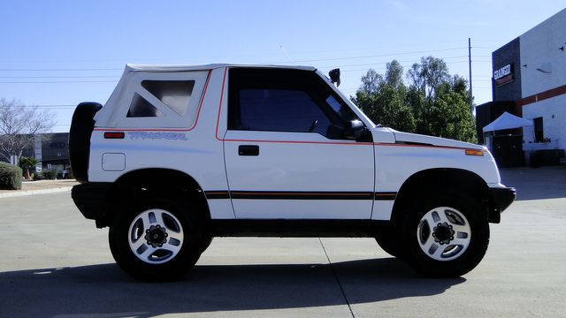 1994 Geo Tracker Convertible 1 Family owned 94,000mi in Phoenix, Arizona 85027