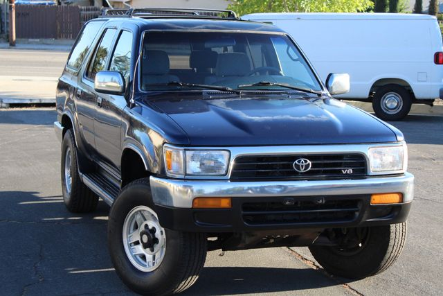 1994 Toyota 4RUNNER SR5 4WD MANUAL 1-OWNER A/C SUNROOF in Woodland Hills CA, 91367