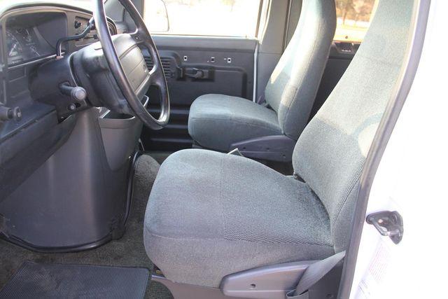 1995 Ford Club Wagon XL Santa Clarita, CA 12