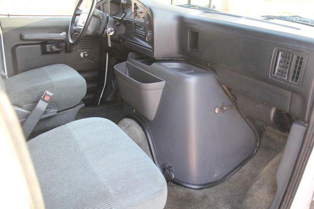 1995 Ford Club Wagon XL Santa Clarita, CA 8