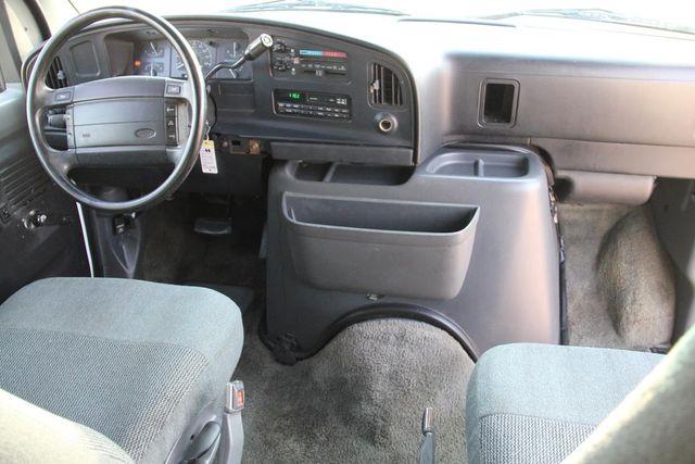 1995 Ford Club Wagon XL Santa Clarita, CA 18