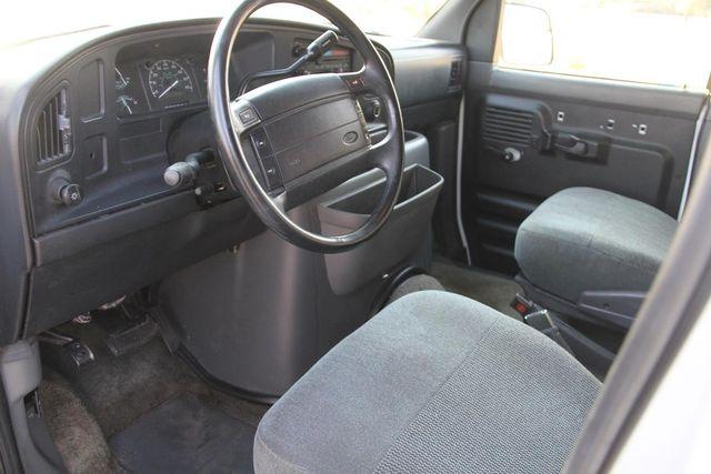 1995 Ford Club Wagon XL Santa Clarita, CA 7