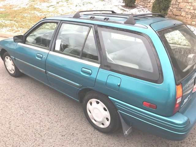 1995 Ford Escort LX Knoxville, Tennessee 4
