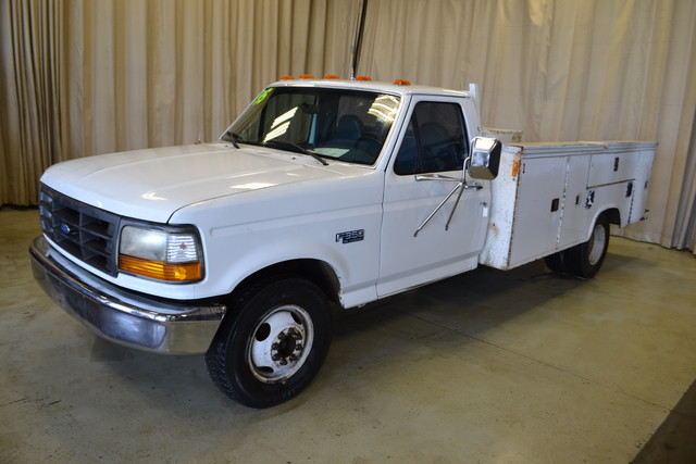 1995 Ford F-350 Chassis Cab in Roscoe IL, 61073