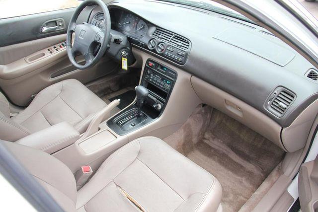 1995 Honda Accord Sdn EX w/Leather Santa Clarita, CA 9