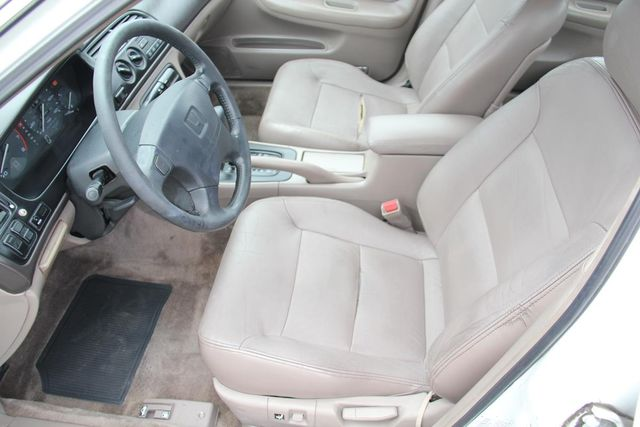 1995 Honda Accord Sdn EX w/Leather Santa Clarita, CA 13